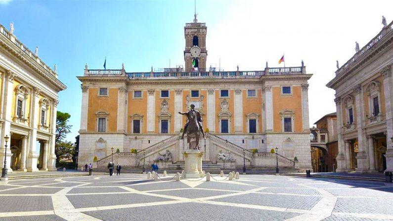 Il gregge, il Pecoraro, i Vip da Ztl: Roma tra la pappa pronta e la rabbia
