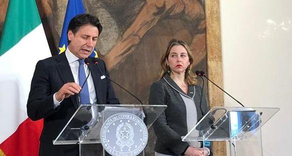 Il ministro della Salute Grillo con il premier Conte in Calabria