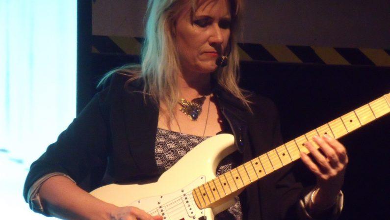 In Calabria la prima tappa del tour di Jennifer BattenConcertostorica chitarrista di Michael Jackson e Jeff Beck
