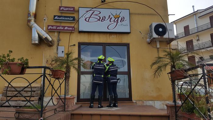 Una pizzeria aperta dentro le Case popolariScatta il sequestro della Municipale a Palmi