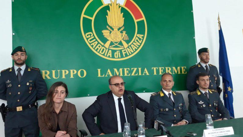 Blitz della Finanza nel lametino, 21 ordinanze cautelari  12 Sono arresti per reati contro la Pubblica amministrazione