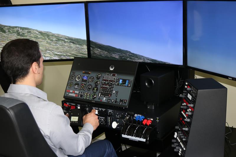 Aperto il primo Laboratorio di navigazione aerea del SudImplementato all'Istituto Green-Falcone Borsellino di Corigliano-Rossano