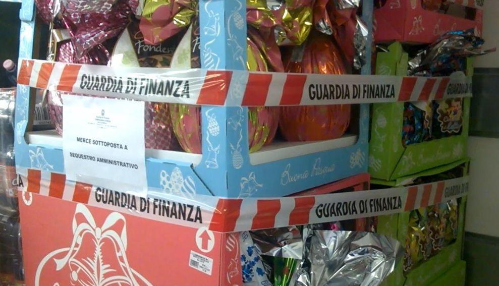 Irregolari e pericolose, sequestrate 100mila uova di Pasqua  Maxi operazione della Finanza nel Cosentino