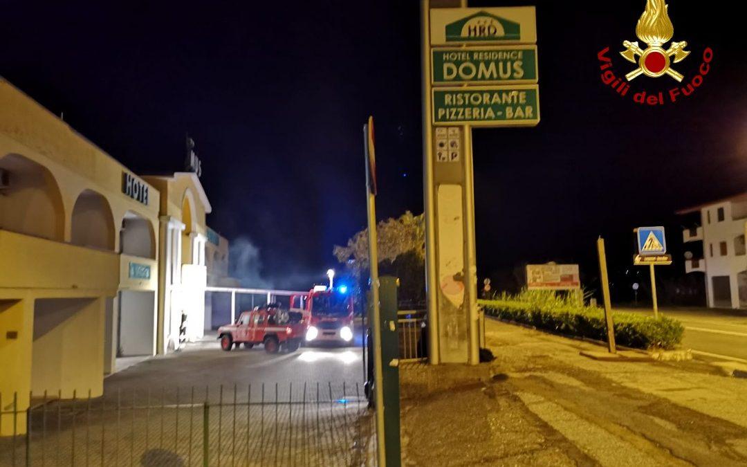 Incendio nella notte in un albergo del Cosentino  Danni alla struttura, indagini sulle cause del rogo
