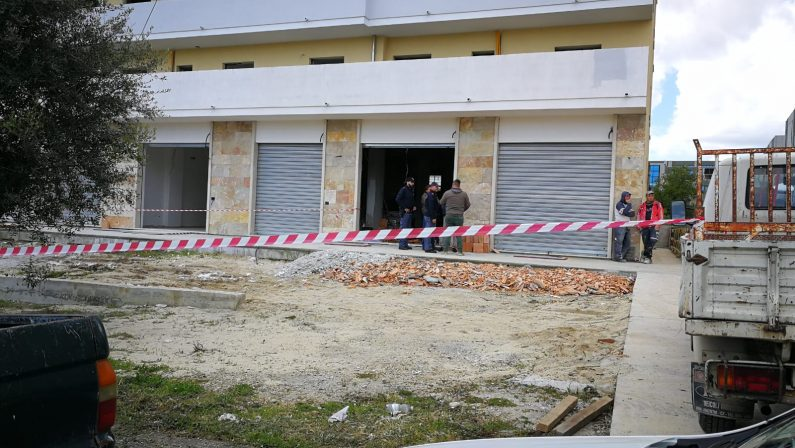 FOTO - Imprenditore morto a Vibo dopo un'aggressione con un mattone, ricercato autore