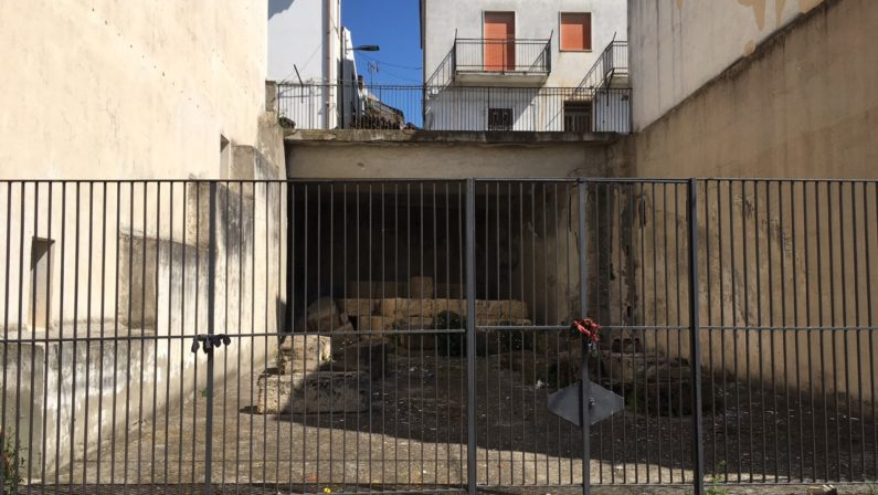 Il vero tesoro sotterraneo della Basilicata non è il petrolio ma l'archeologia (ma nessuno sembra saperlo)