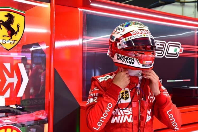 Il pilota calabrese Antonio Fuoco alla guida della FerrariTest per le gomme nel circuito di Barcellona