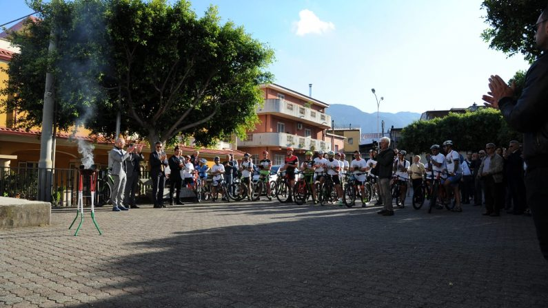FOTO - San Luca commemora la strage di CapaciLe immagini della cerimonia e del percorso in bici