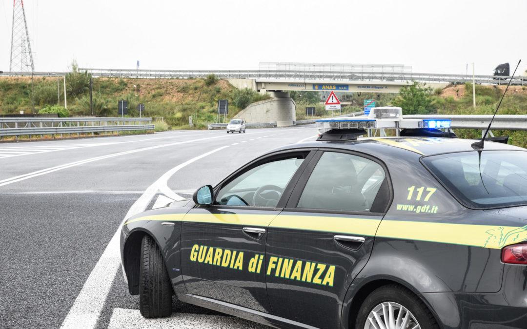 Sequestrati dalla Guardia di Finanza di Crotone 1500 litri di gasolio di contrabbando