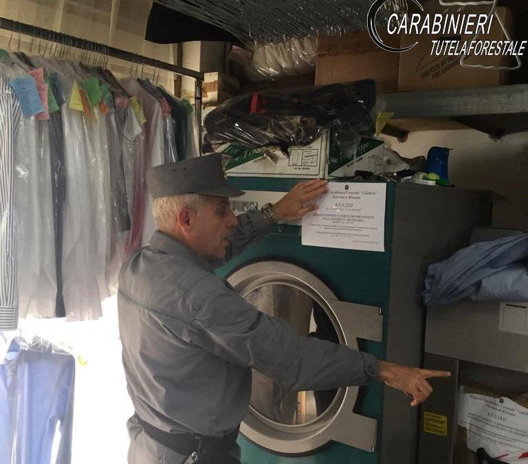 Controlli nelle lavanderie del Cosentino, sanzioni  Riscontrate violazioni anche in materia ambientale