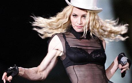 Madonna, la nonna che da ragazza imparò a dosarsi  Altrettanto dovrebbe fare oggi
