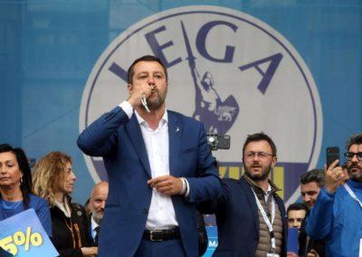Matteo Salvini rosario.jpg