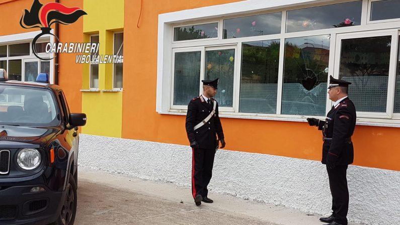 Elezioni nel Vibonese, allarme in un seggioSfondata con un sasso una finestra