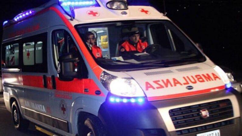 Tragedia nel Reggino, studente ucciso da un treno in corsa mentre attraversa i binari in bici
