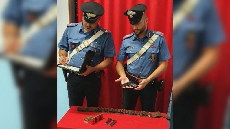 Possesso illegale di armi e munizioni, arrestato un 71enne nel Crotonese