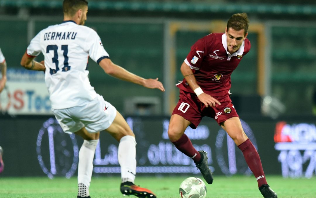 Dermaku e De Francesco in un derby del 2017