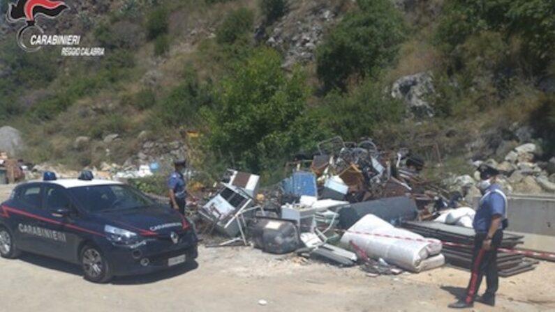 Rifiuti: discarica abusiva a Bagnara, denunciato il proprietario del terreno