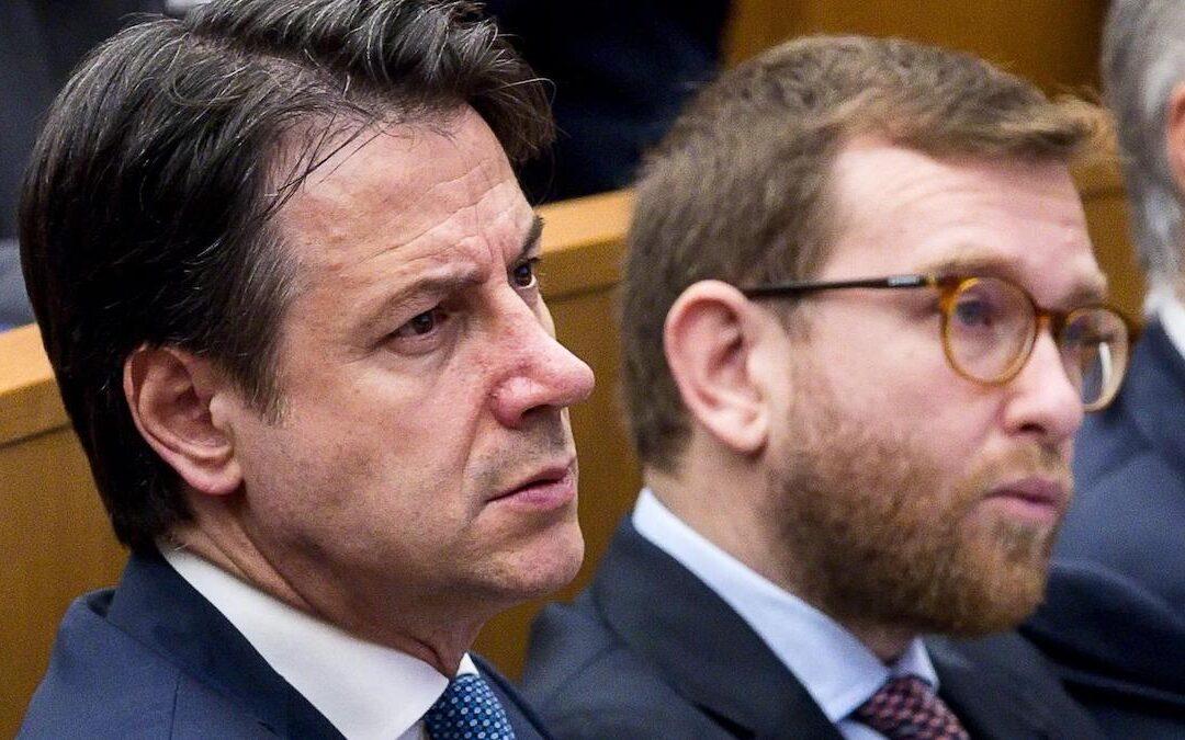 Il premier Giuseppe Conte e il ministro per il Sud Giuseppe Provenzano