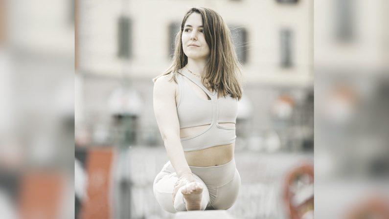 Martina Sergi, la regina dello yoga è in rete