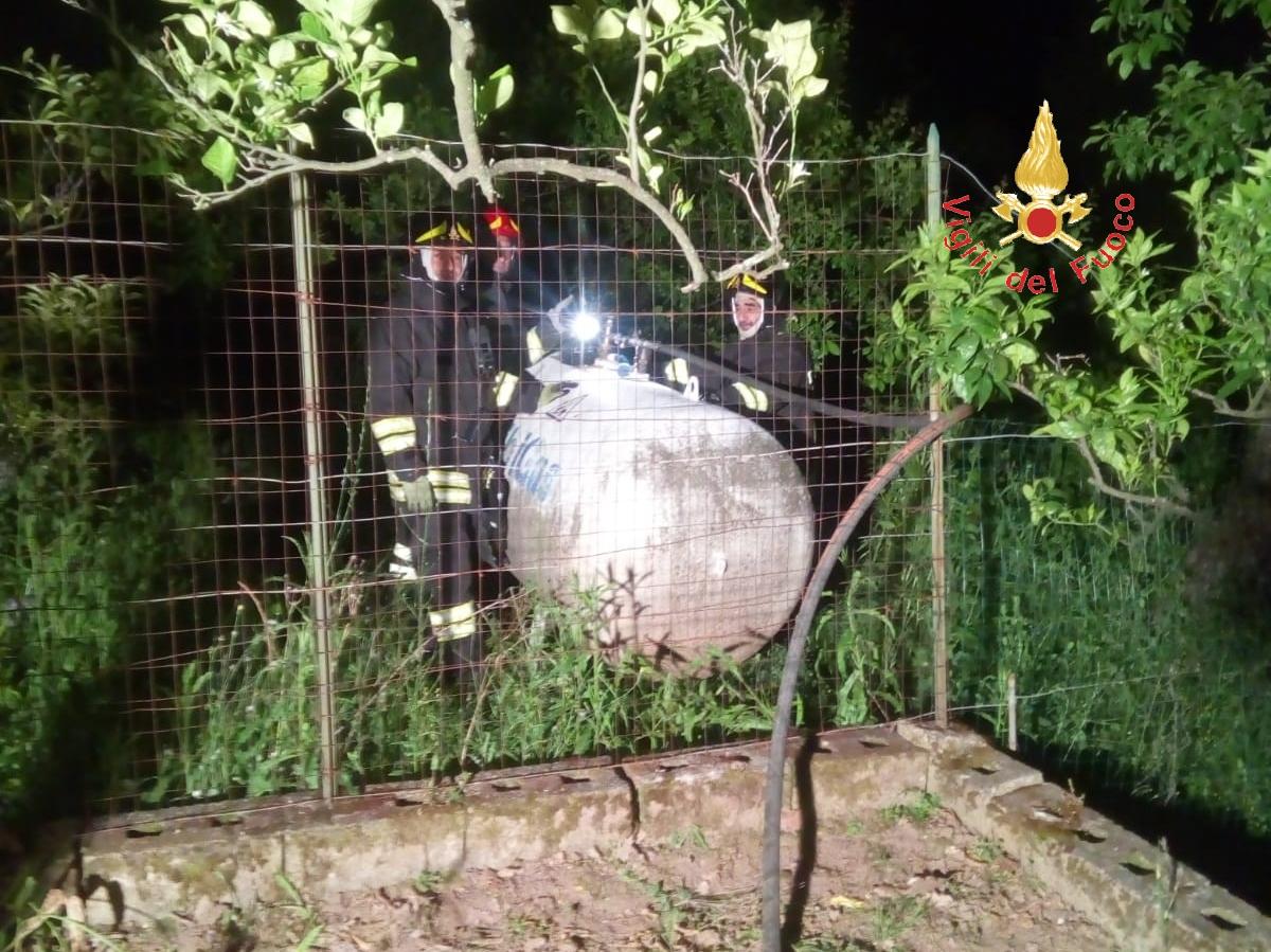 Notte di paura per una perdita di gas nel ViboneseI vigili del fuoco hanno evitato conseguenze peggiori