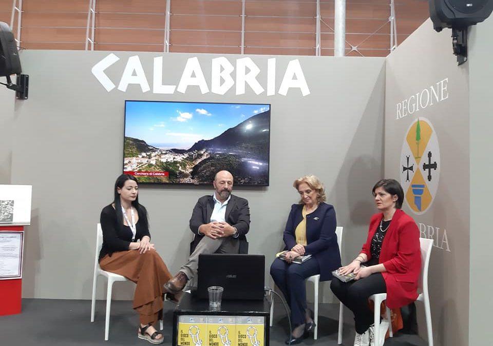Cineturismo in Calabria con la Guida della Cineteca  Iniziativa al Salone Internazionale del Libro di Torino