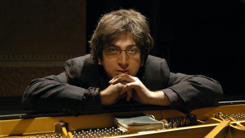 L'Altra estate di Ramin Bahrami, il pianista ospite di Armonie d'Arte si racconta al Quotidiano