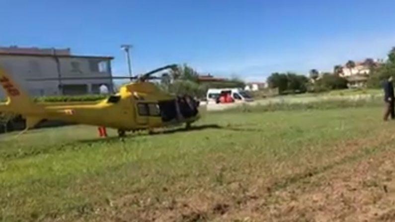 Operaio travolto da una trave in un cantiereIncidente sul lavoro nel Vibonese, un ferito grave