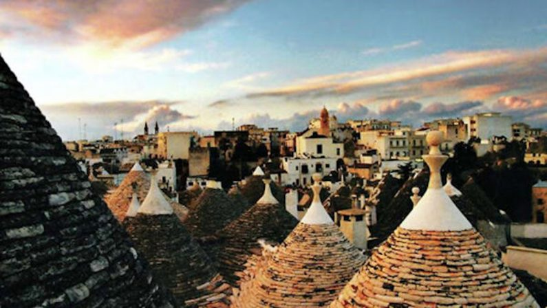 Turismo, -55% di visitatori stranieri. Solo la Puglia brinda per Ferragosto