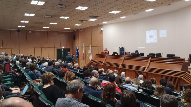 Elezioni rettore, i candidati si presentano all'UnicalCon la prima assemblea al via la campagna elettorale