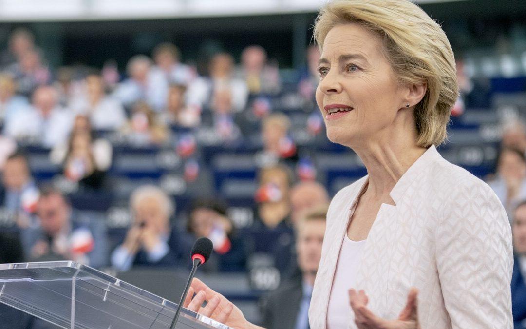 Coronavirus, la presidente della Commissione UE Von der Leyen in autoisolamento