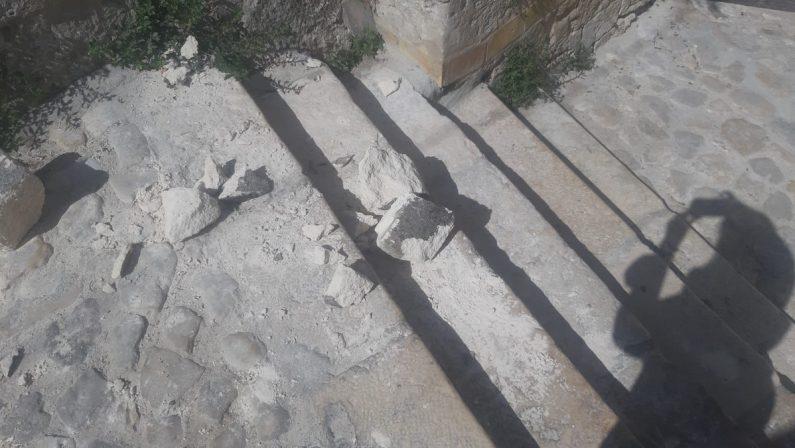 Matera, atti di vandalismo nei rioni Sassi