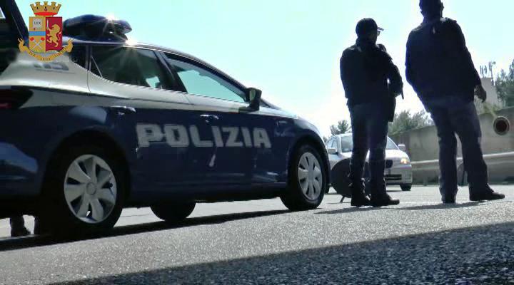 Reggio Calabria, minaccia con un taglierino l'autista di un bus poi scende e semina il panico tra la gente, arrestato