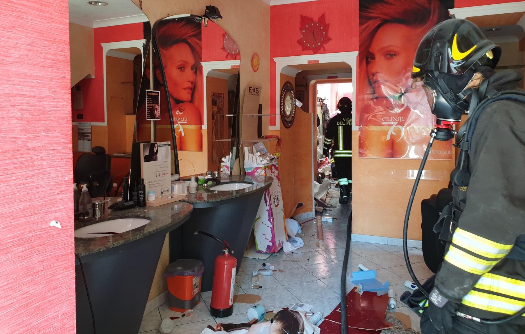 Esplosione a Paravati, gravemente ferito un uomo L'operaio stava facendo dei lavori in un'attività di parrucchiere