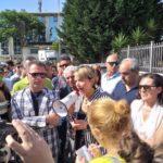 Da sx Salvatore Solano (occhiali da sole), Maria Limardo (megafono) e Caterina Calabrese (occhiali da sole).jpg