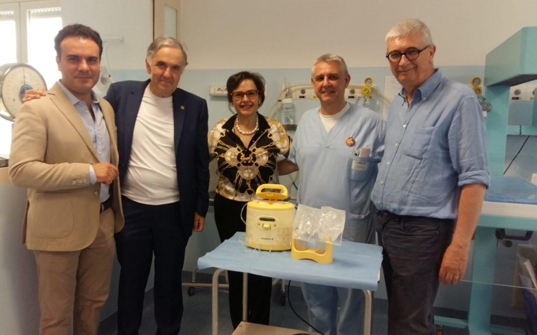 Il Rotary Hipponion dona un tiralatte all'ospedale  Lo strumento consegnato al reparto di neonatologia