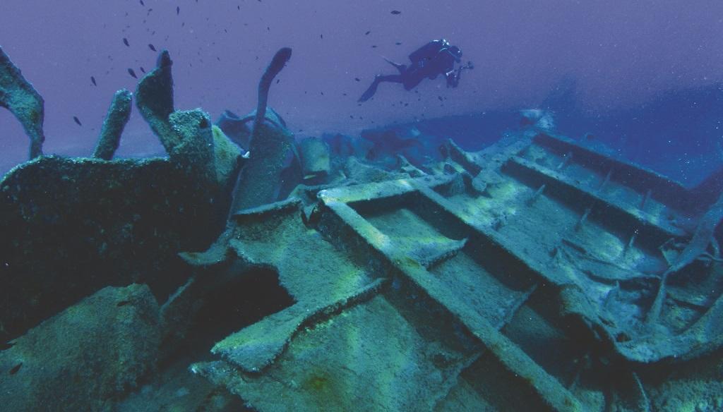 """Il cargo """"Cap. Antonio"""", il mercantile affondato nel 1987 a Santa Caterina dello Jonio (Foto di Carlo Codispoti)"""