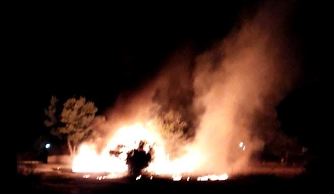 FOTO – In fiamme il villaggio Eucaliptus, le immagini dei danni prodotti dal rogo