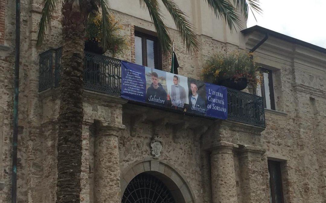 Strage sulle strade vibonesi, un paese sotto shock  Dolore e disperazione a Soriano dopo la morte dei 3 ragazzi