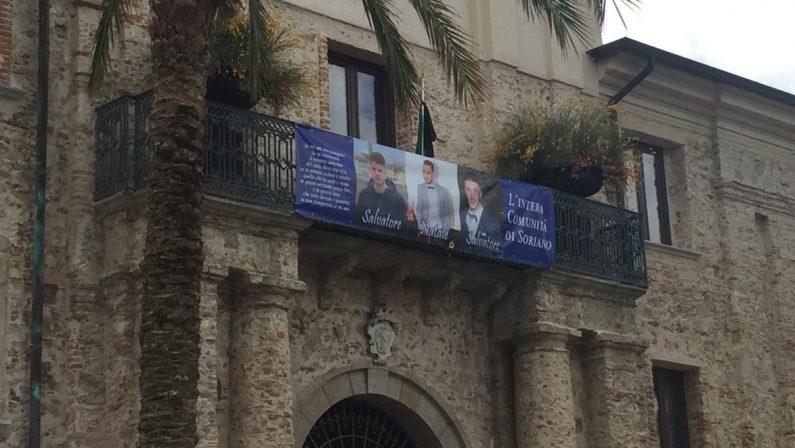 Strage sulle strade vibonesi, un paese sotto shockDolore e disperazione a Soriano dopo la morte dei 3 ragazzi