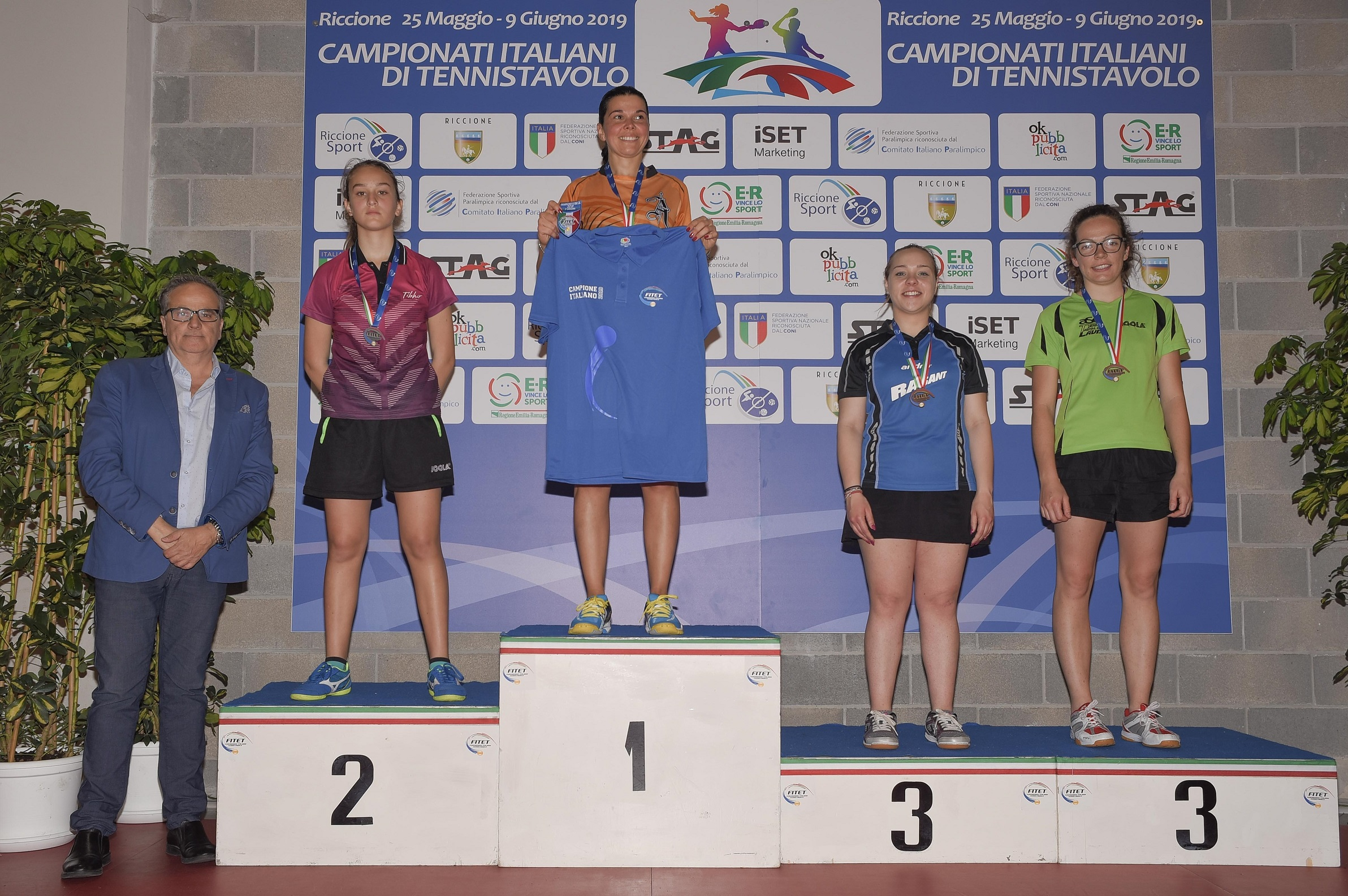 Tennistavolo, 13enne Carnovale sconfitta in finaleLa giovane vibonese si arrende solo con una 39enne