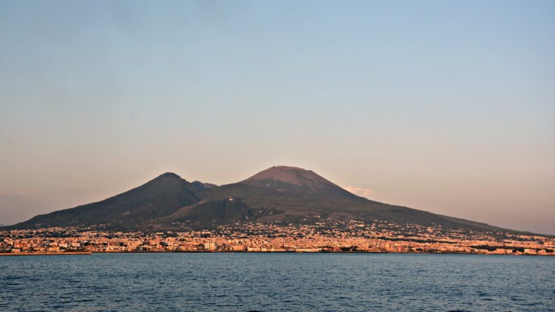 In caso di eruzione del Vesuvio anche la Calabria sarà in prima lineaApprovato il piano di evacuazione con le destinazioni