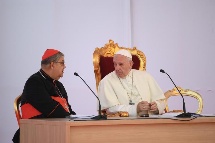 Papa Francesco: Napoli non è solo violenza ma tanti segni di santità