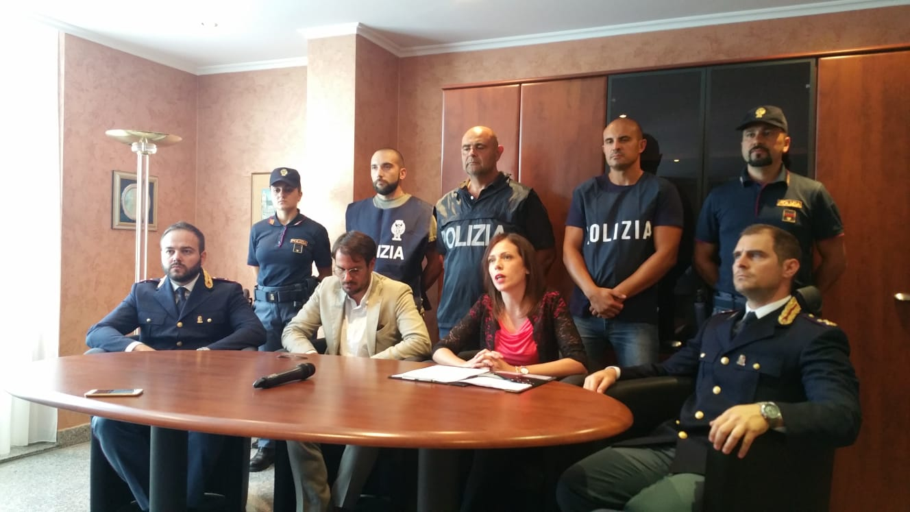Aggressione e rapina contro una famiglia a ViboFermati tre ventenni:«Una violenza inaudita»