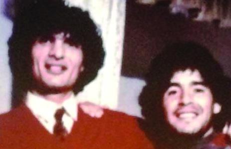 Quegli scatti di Maradona archiviati come tanti autogol  Più di 70 fotografie del campione in compagnia dei boss
