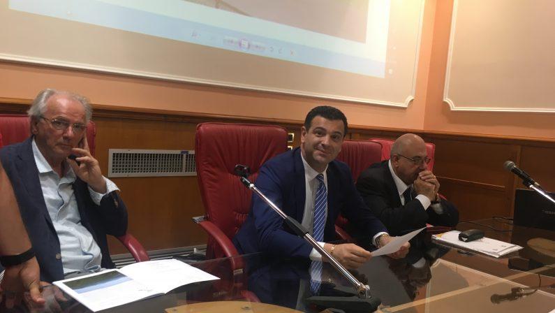 Avellino calcio e basket, il sindaco Festa: salveremo le società