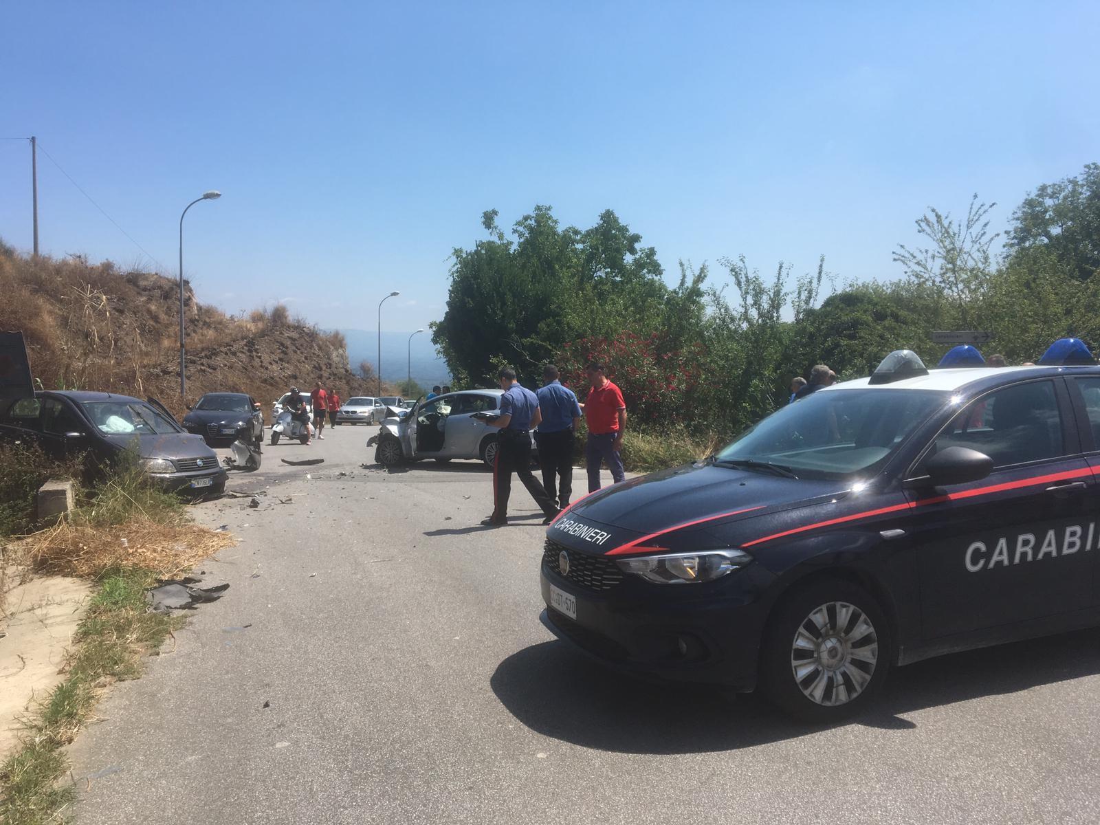 Incidente stradale nel vibonese, due feriti  Scontro frontale tra due vetture a San Calogero