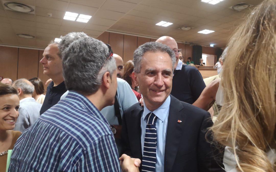 Nicola Leone dopo l'elezione a rettore