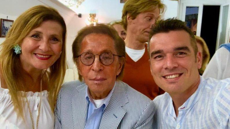 Lo stilista Valentino in vacanza a TropeaCena in un noto locale della cittadina tirrenica