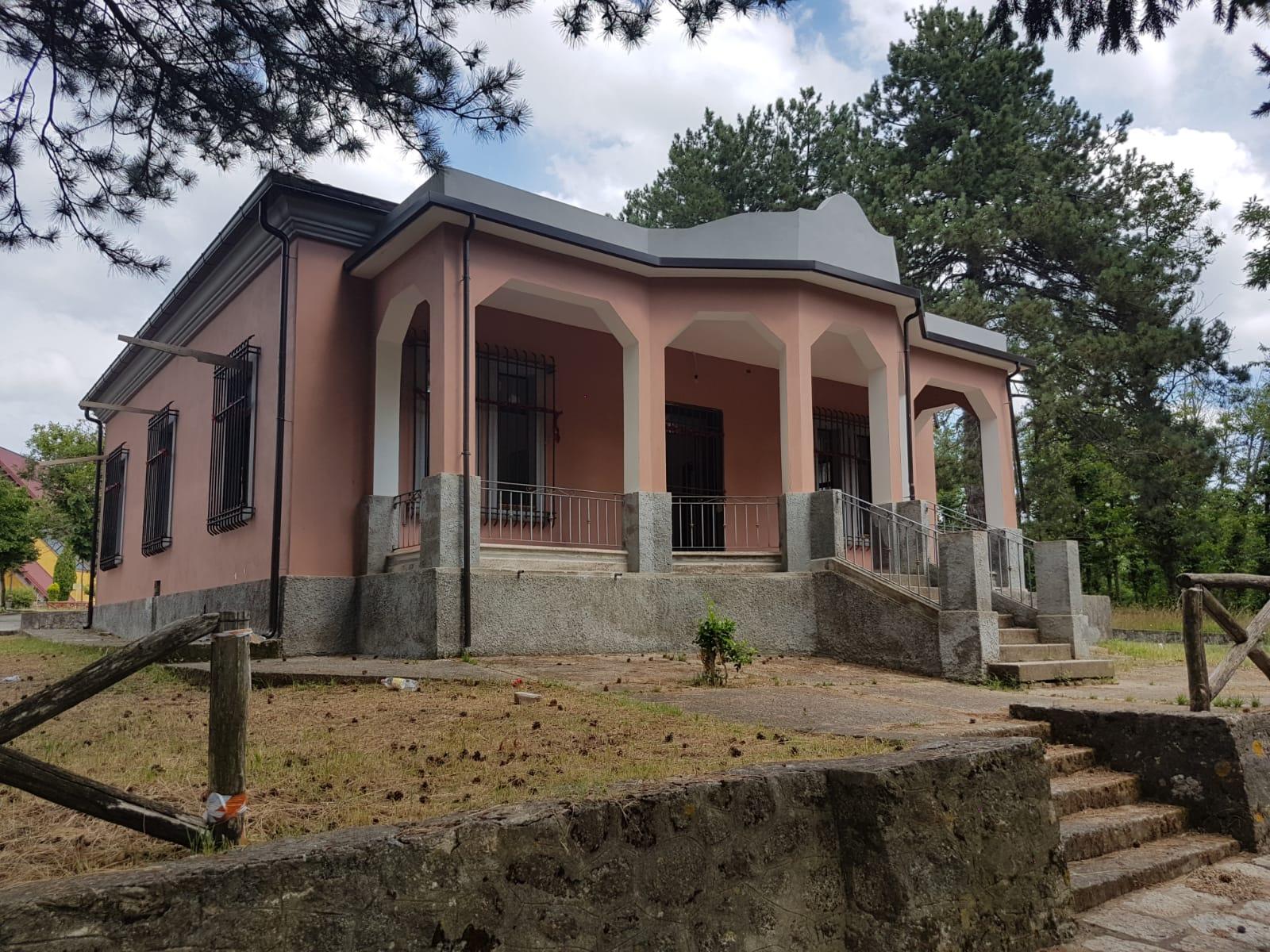 Vandalismo a Sorianello, danneggiato immobile comunaleIgnoti hanno devastato la villa nel bosco di Fago Savini