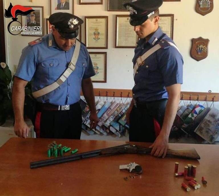Armi e munizioni in casa senza alcun permessoArrestato agricoltore dopo controlli nel Reggino